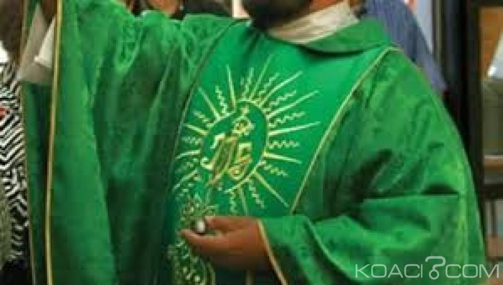 Kenya:  Un prêtre gay arrêté  pour sodomie