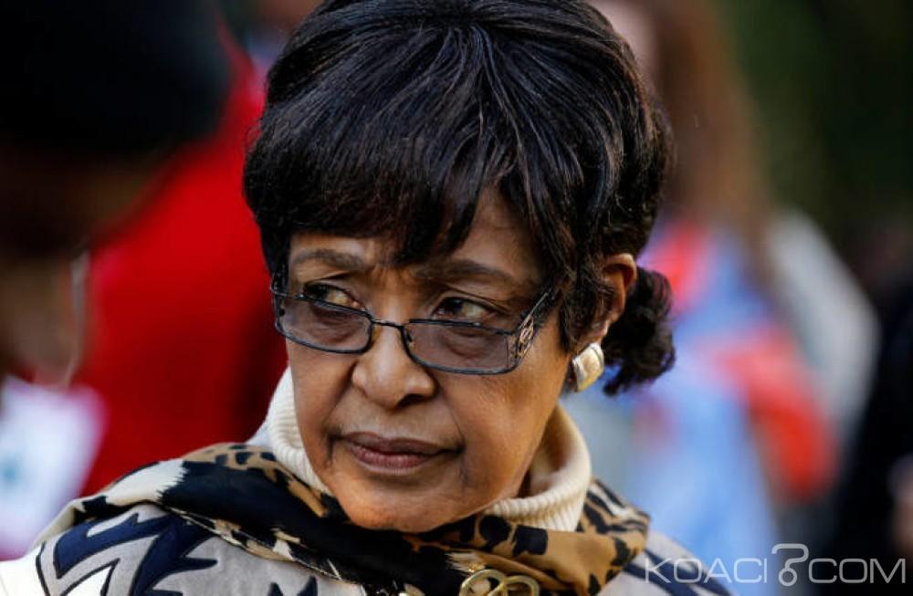 Afrique du Sud: Winnie Mandela hospitalisée pour une  infection rénale