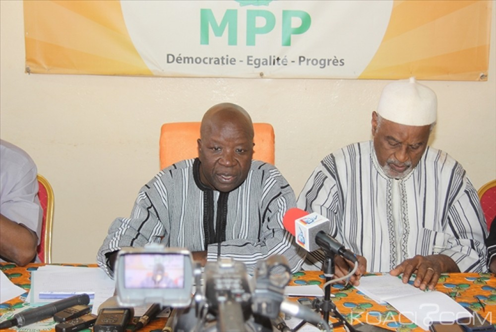 Burkina Faso: Le parti au pouvoir dénonce des manœuvres pour empêcher le procès du putsch