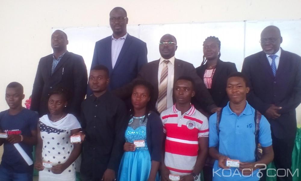 Côte d'Ivoire : Bouaké, bagarres devant les  guichets de bourses, paiements de sommes aux syndicalistes, la ministre Bakayoko Ly Ramata met fin à tout