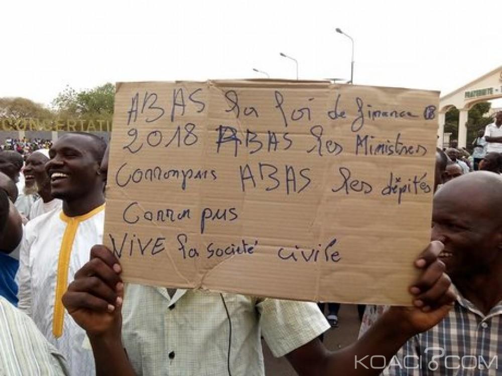 Niger: Grande  manifestation à Niamey contre la nouvelle loi des «finances 2018»