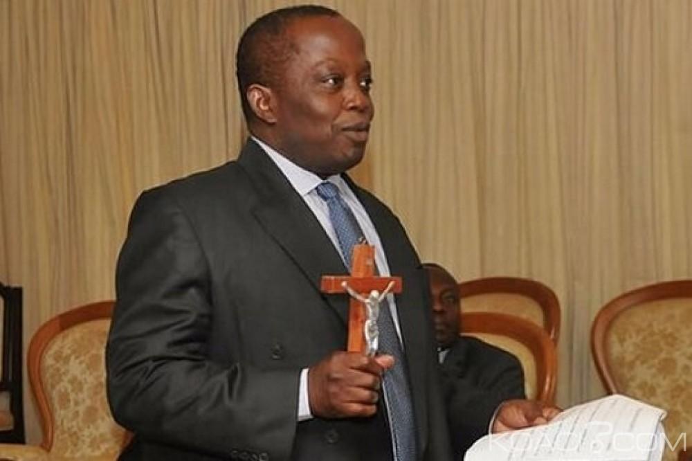 Ghana: Les fonctionnaires civils et militaires gagnant plus de 3700 GHC vont déclarer leurs avoirs