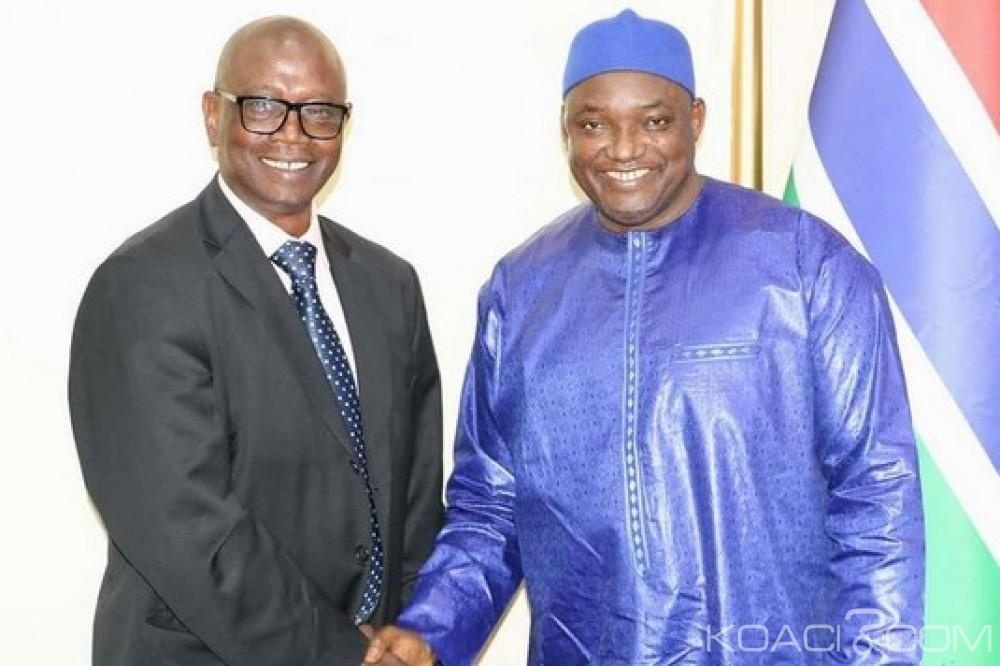 Gambie: Prestation de serment du secrétaire de la Commission vérité, réconciliation et réparation