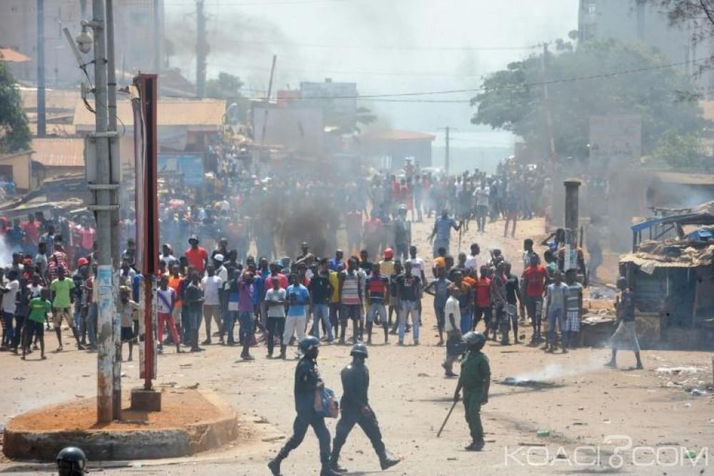 Guinée: Les enseignants mettent fin à leur grève, un mort à Conackry lors d'une manifestation de l'opposition