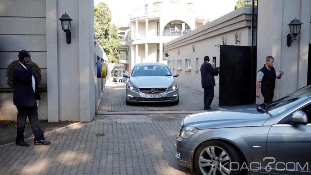 Afrique du Sud: Une somptueuse propriété des Gupta perquisitionnée par les Hawks à Johannesburg