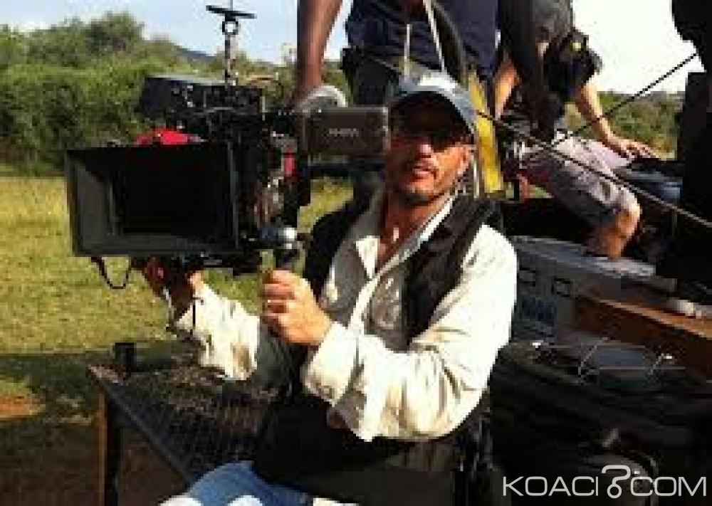 Afrique du Sud:  Un cinéaste meurt après le coup de tête d'une girafe qu'il filmait