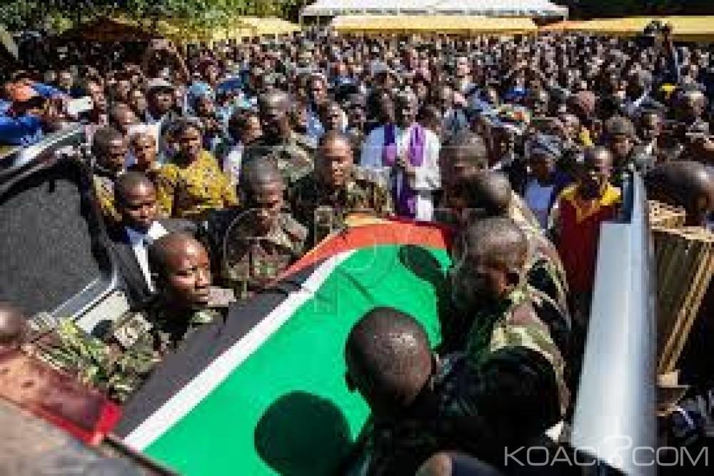 Mozambique:  Le chef de la Renamo, Afonso Dhlakama inhumé  dans son village natal