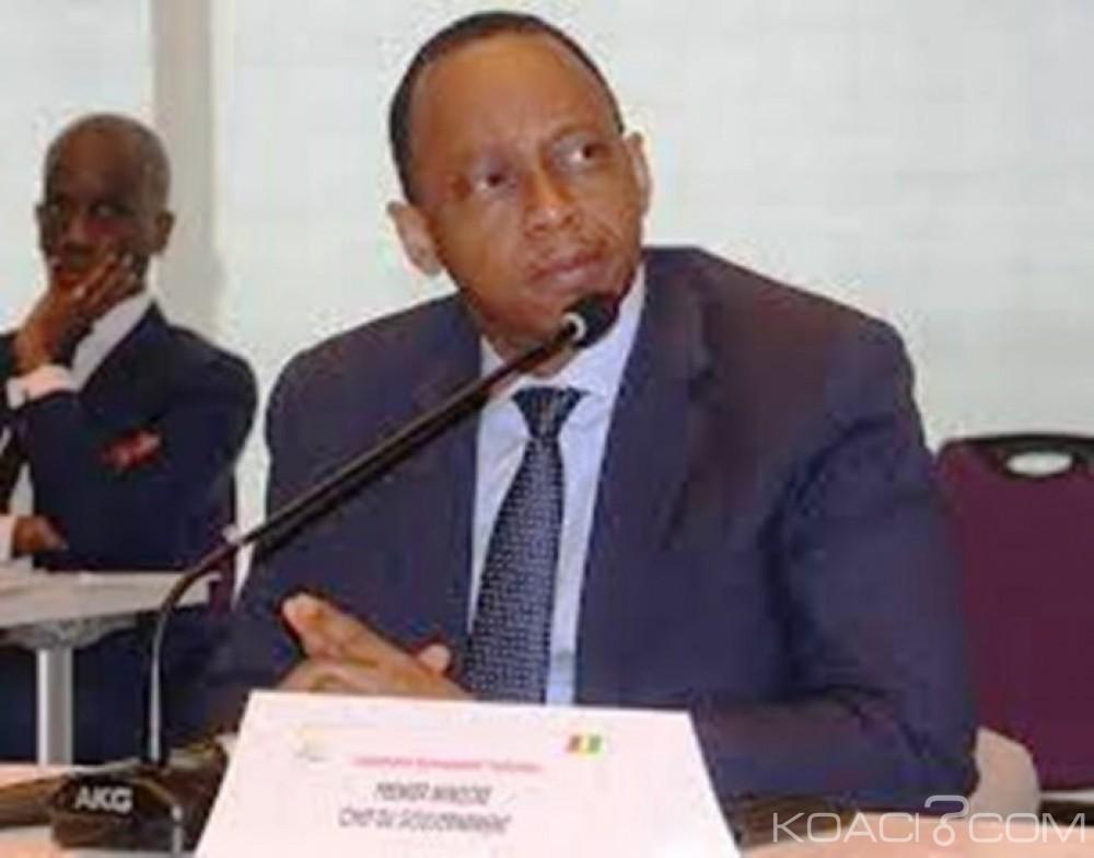 Guinée :  Mamady Youla rend sa démission  et celle de tout son gouvernement