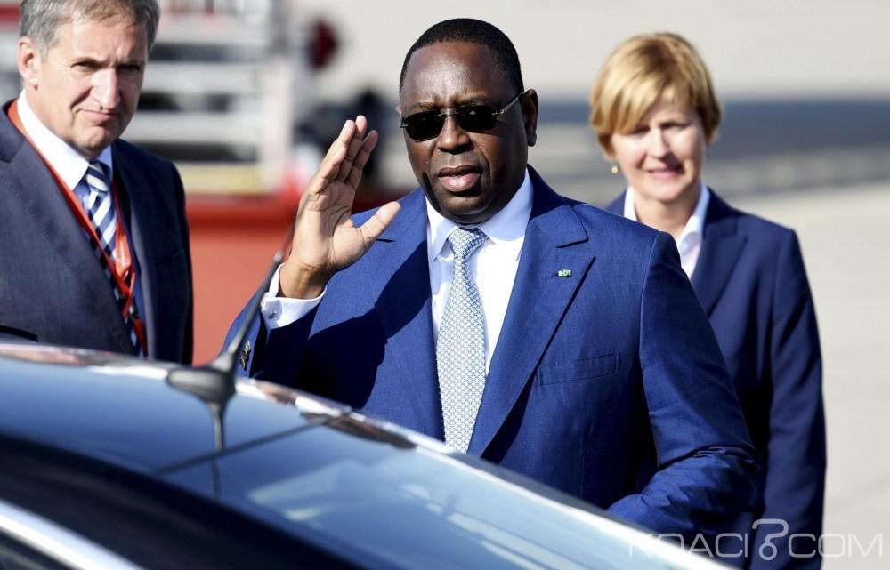 Sénégal: Après avoir fait voter une loi controversée, Macky Sall décide tout à coup de son retrait