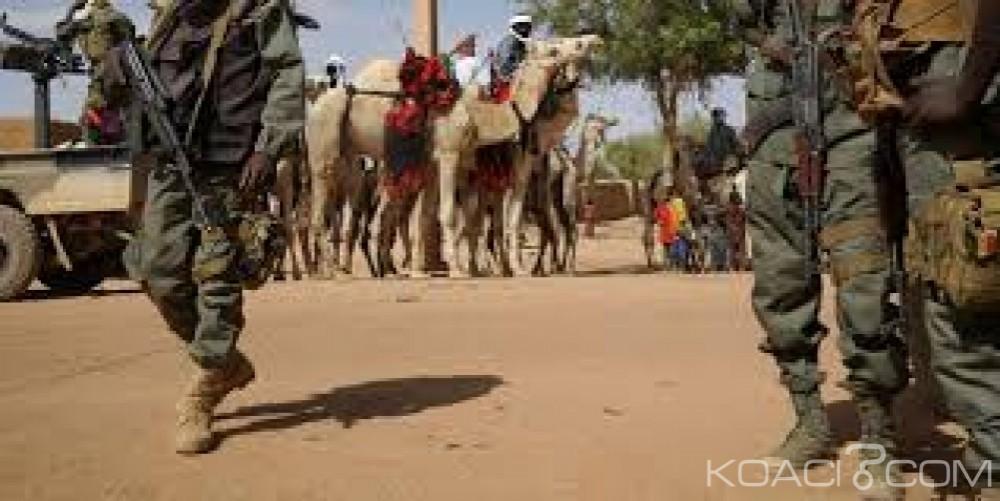 Mali: 10 terroristes neutralisés par l'armée à Karakindé, des armes saisies