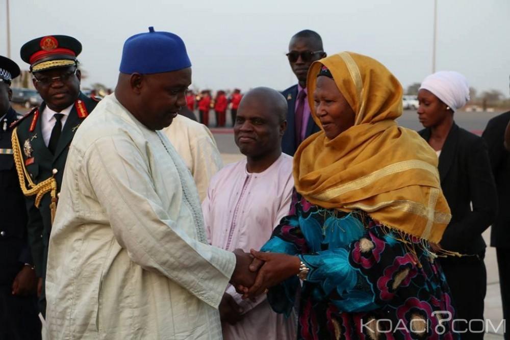 Gambie: Barrow chasse ses alliés dont la vice-présidente du gouvernement et nomme le chef du parti au pouvoir