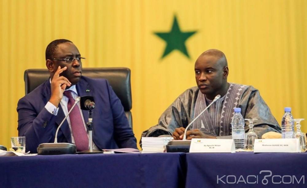 Sénégal:  Manœuvre au sommet de l'État pour invalider l'inscription de Karim Wade sur les listes électorales