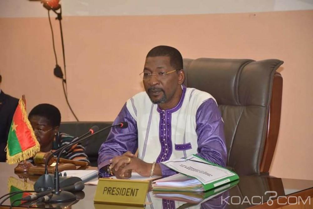Burkina Faso: Adoption d'un nouveau code électoral excluant le vote avec la carte consulaire