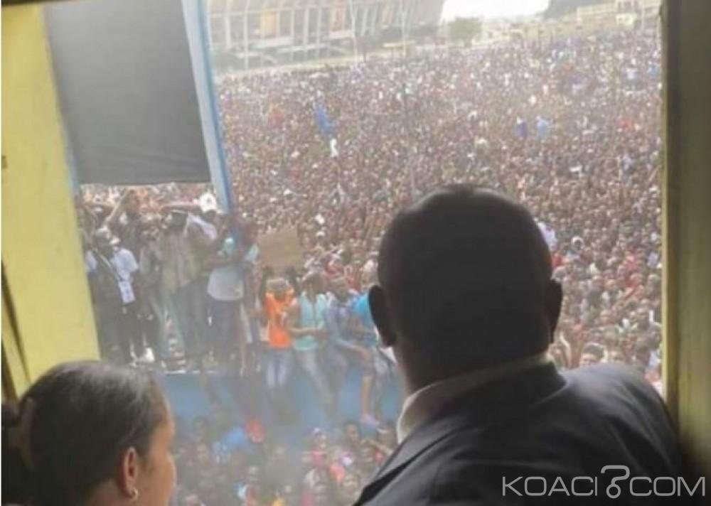 RDC: Entouré d'une marée humaine, Bemba est arrivé au siège de son parti