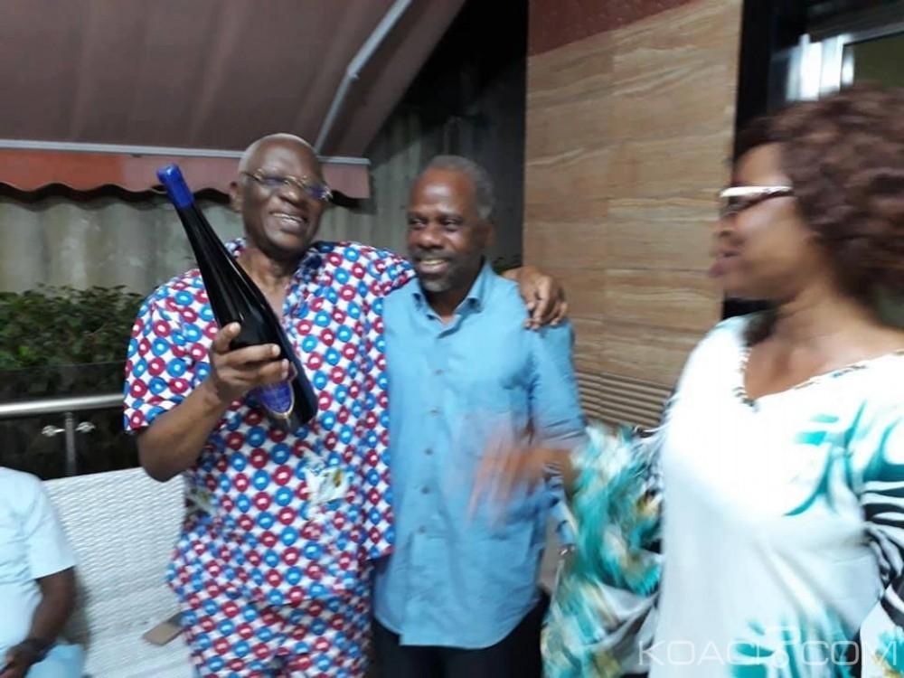 Côte d'Ivoire: A l'annonce de l'amnistie on fait péter le champagne chez Sangaré, Simone Gbagbo se «réjouit» de la décision