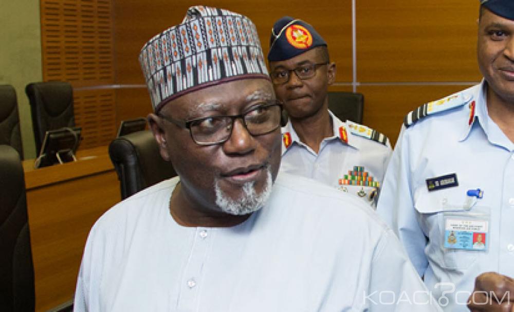 Nigeria: Le vice-Président limoge le chef des services secrets Lawal Daura