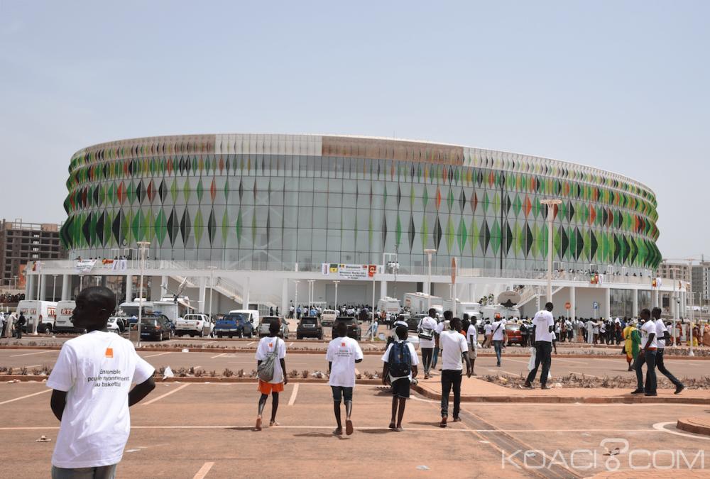Sénégal: Sall inaugure Dakar Arena et annonce un stade olympique pour 2020, l'opposition doute qu'il sera là à la date indiquée