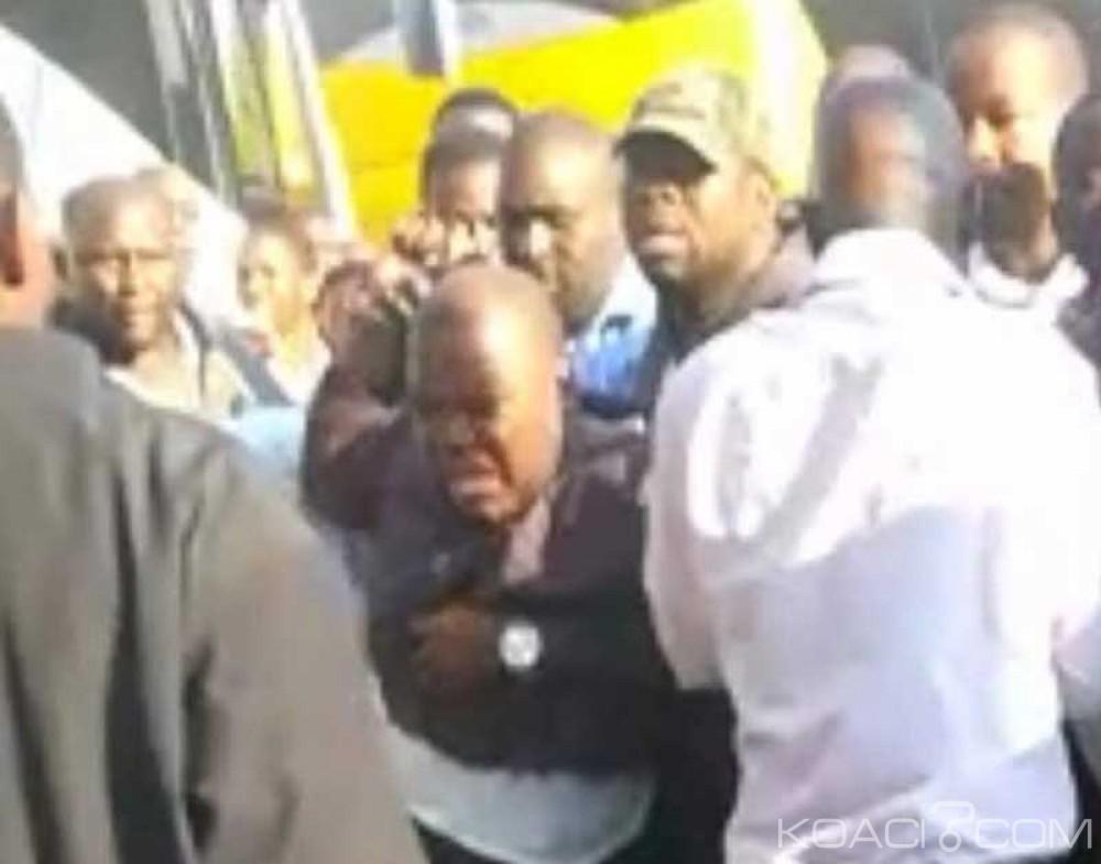 Zambie:  Sa demande d'asile refusée ,l'opposant zimbabwéen Tendai Biti finalement expulsé