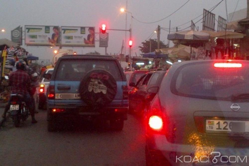 Togo : Ces voitures qui tardent à partir après le «point rouge»