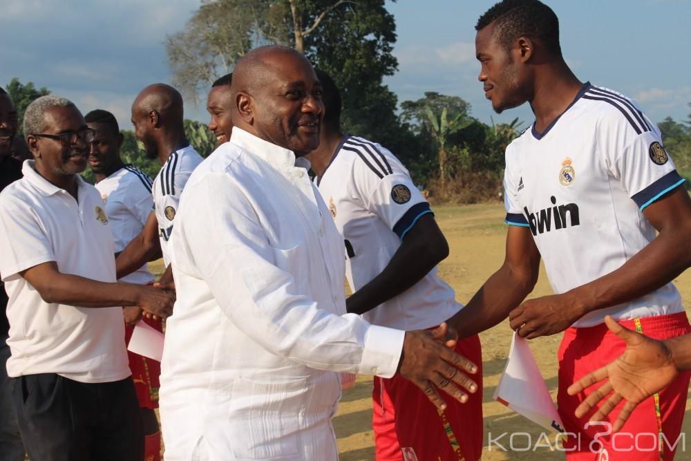 Cameroun: Football, les championnats de vacances s'achèvent par des récompenses et place à l'école