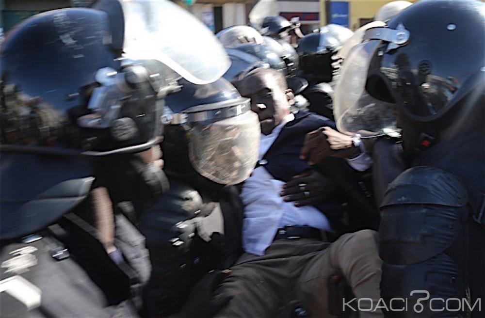 Sénégal: La manifestation de l'opposition violemment réprimée, plusieurs leaders malmenés et arrêtés