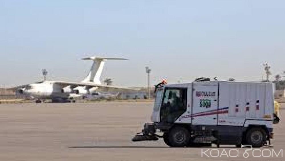 Libye:  L' aéroport  deTripoli visé par des tirs de roquettes, aucune victime