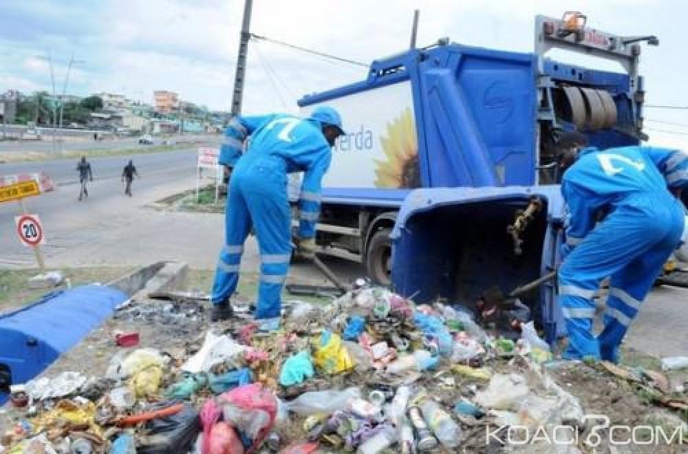 Gabon : La grève des éboueurs se poursuit, le pays croule sous les ordures ménagères et craint des maladies