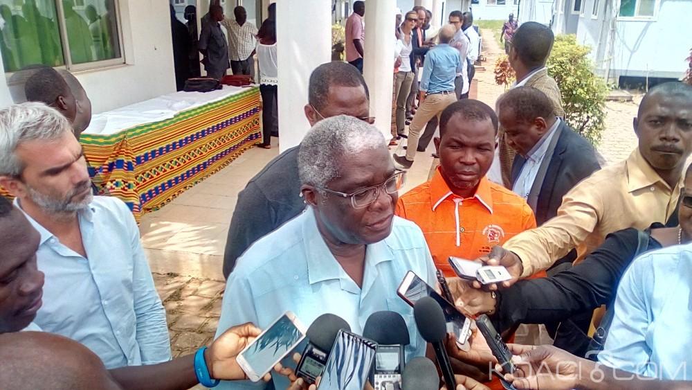 Côte d'Ivoire : Bouaké, la France apporte son aide pour la reconstruction du marché central