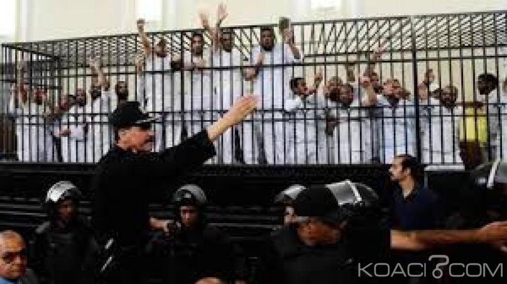 Egypte : 20 pro-Morsi condamnés définitivement à la peine de  mort pour le meurtre de 13 policiers