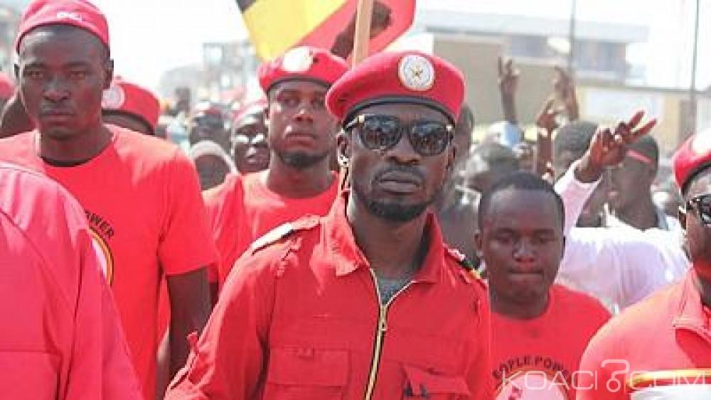 Ouganda : Bobi Wine accuse la police d' avoir bloqué son concert