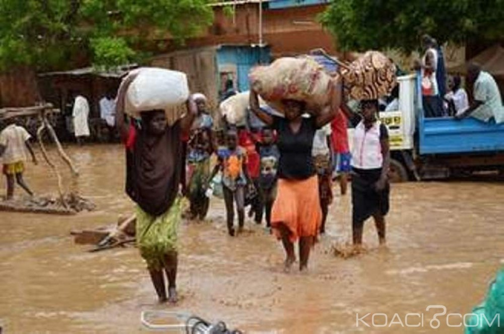 Côte d'Ivoire : Dimbokro, des quartiers sous les eaux après la crue du fleuve N'Zi, des familles sans abri