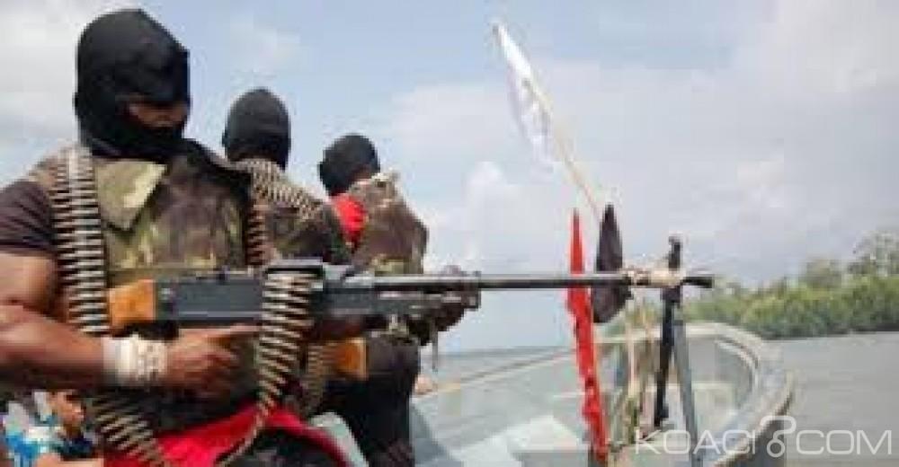 Nigeria :  Des pirates kidnappent 11 personnes sur un bateau  au large