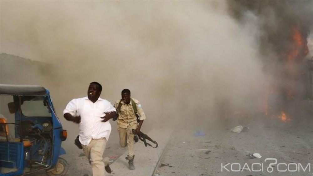 Somalie : Trois explosions  à Mogadiscio font au moins  vingt morts  et 17 blessés