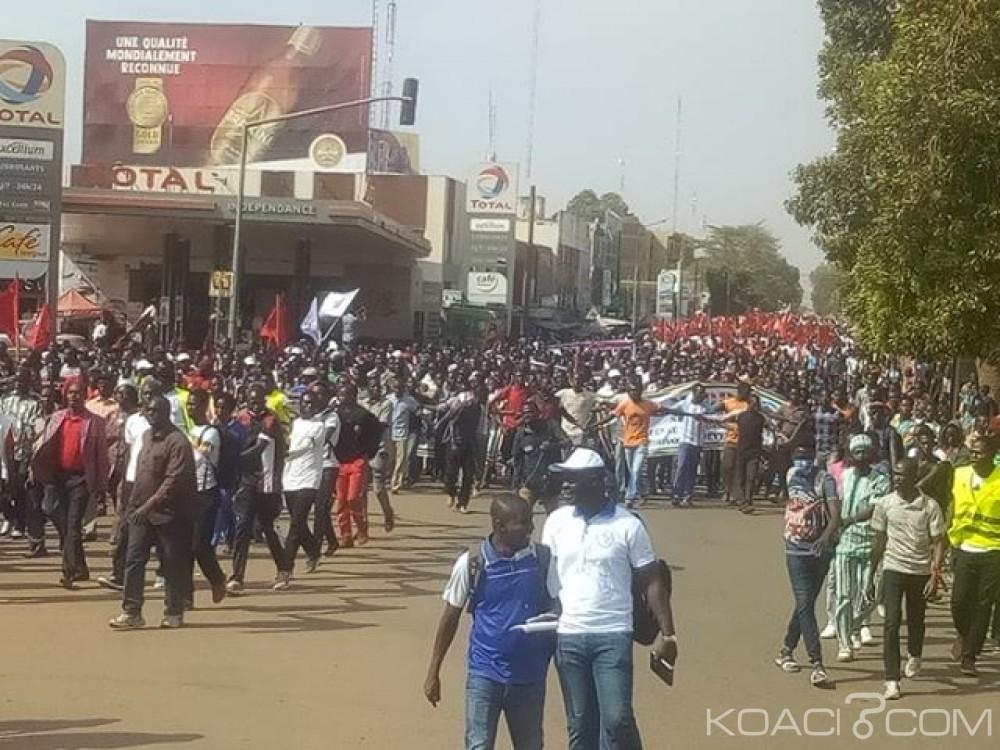 Burkina Faso : Plusieurs milliers de manifestants contre l'augmentation du prix des hydrocarbures