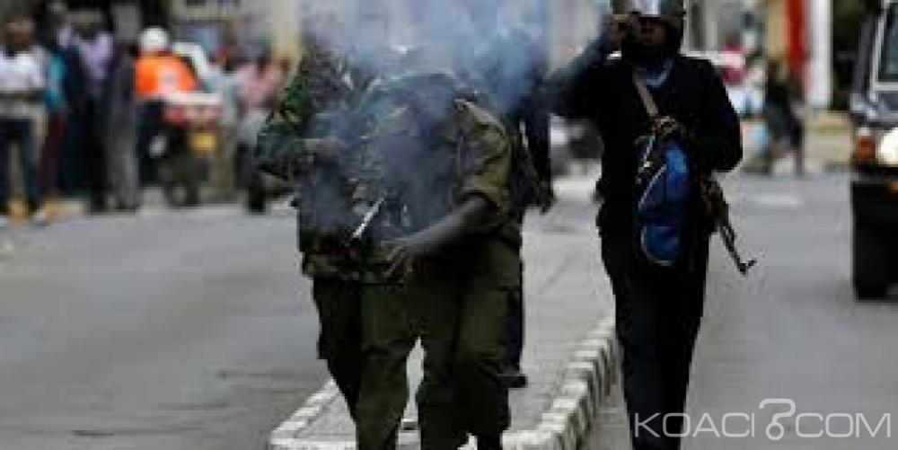 Kenya : Deux policiers  corrompus  libérés de force par leurs collègues