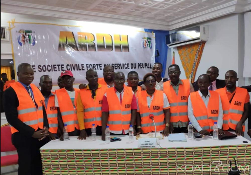 Côte d'Ivoire : Une organisation de la société civile annonce une marche en «Gilet Orange» contre l'injustice sociale