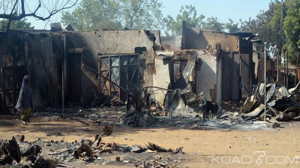 Nigeria : Boko Haram incendie tout un village et pousse des centaines  d'habitants à la fuite