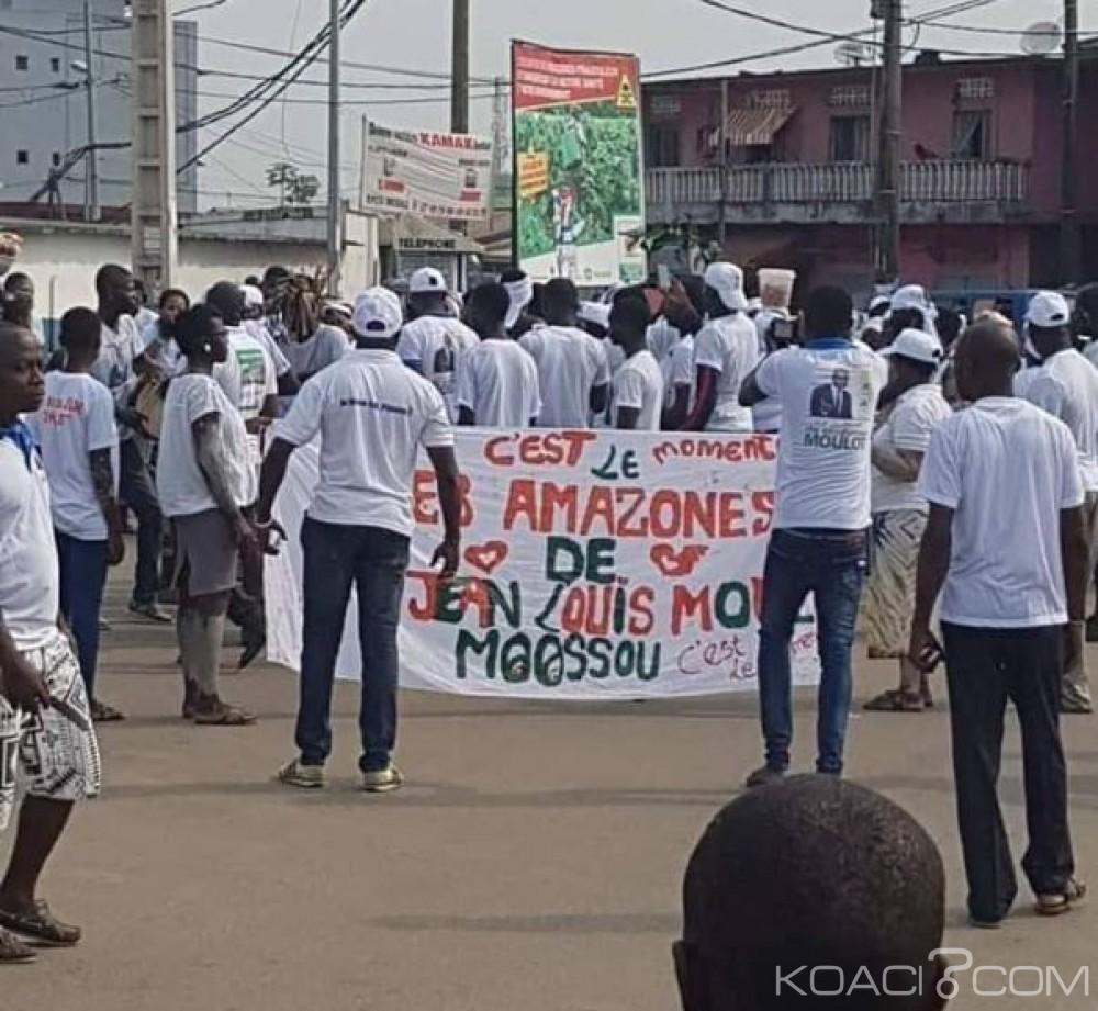 Côte d'Ivoire: À Bassam, malgré les casses d'urnes, les partisans de Moulot marchent en blanc pour réclamer le respect de leurs voix