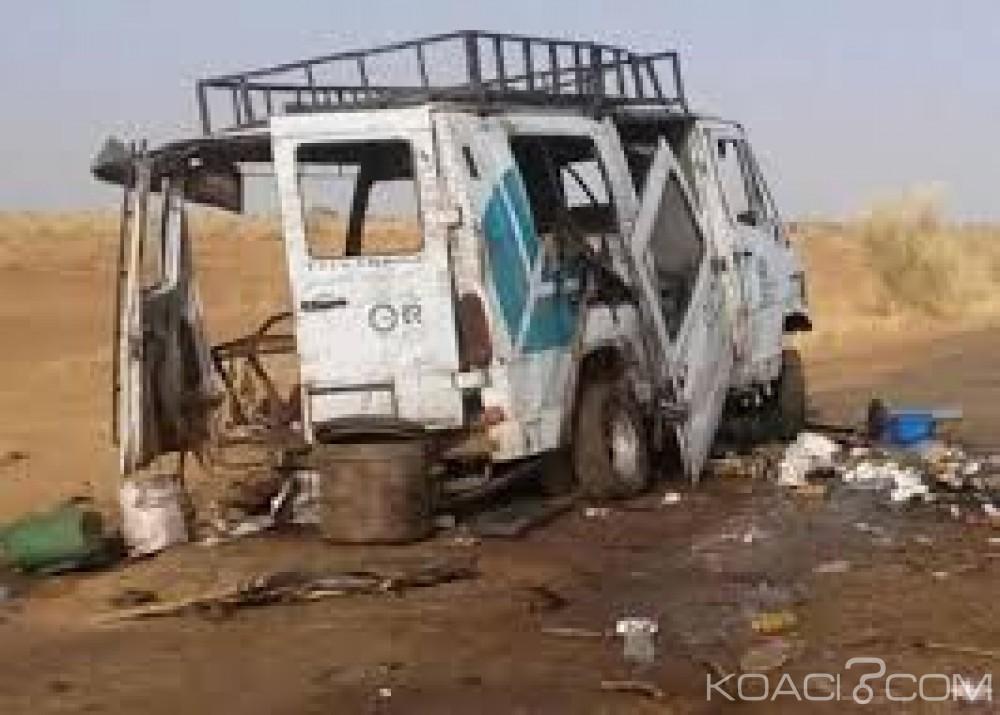 Mali:  Un car de transport saute sur une mine  dans le centre, 6 morts et sept blessés
