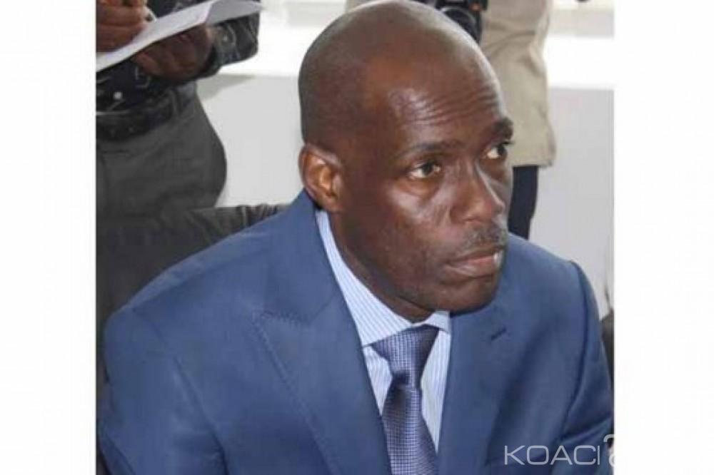 Liberia : Le PUL suspend le ministre de l'Information