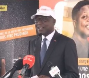 Côte d'Ivoire : Une exonération totale des frais de douanes et l'annulation de la TVA pour des entreprises de transport, annonce le ministre  Amadou Koné