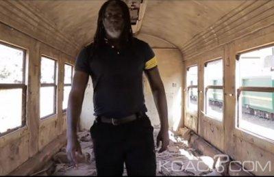 Tiken Jah Fakoly - Le monde est chaud ft. Soprano - Sénégal