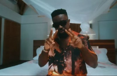 Sarkodie - Lucky ft. Rudeboy - Camer