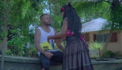 AVEIRO DJESS FEAT KAREYCE FOTSO - Nyama acoustique - Burkina Faso