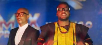 Mix Premier feat Yabongo Lova - C'est Mon Nom - Variété